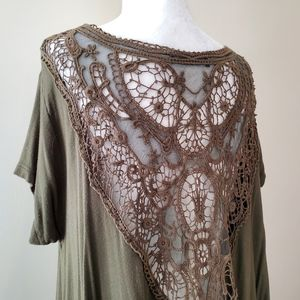 10/$35 Modcloth flowy crochet tunic top